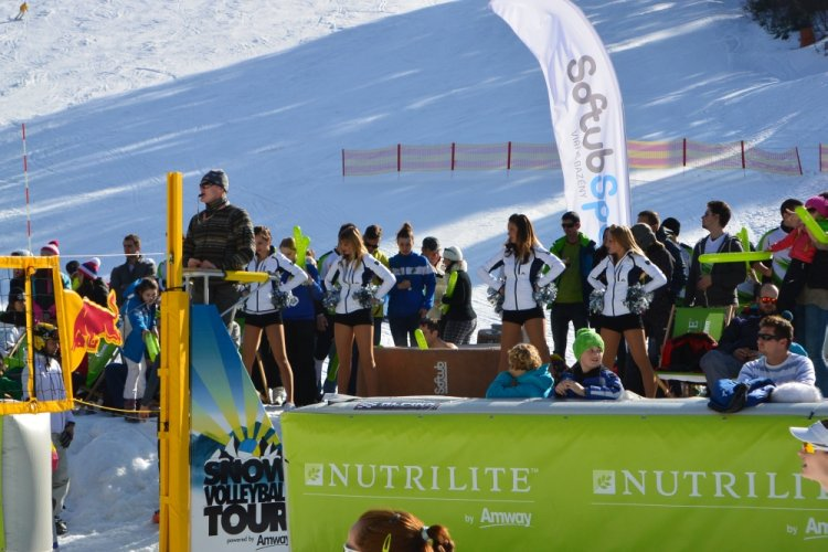 Softub na Snow Volleyball Tour